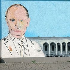 Hate campaign: How Vladimir Putin deftly used the media to turn Russians against Ukrainians