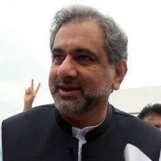 पाकिस्तान सरकार में 25 साल बाद किसी हिंदू को मंत्री बनाए जाने सहित दिन के बड़े समाचार