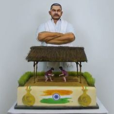 Watch: A Dubai bakery's tribute to 70 years of India's independence is a $40,000 gourmet cake