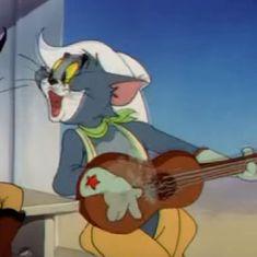 Watch: Tom the cat sings Kishore Kumar's 'Aise Na Mujhe Tum Dekho' in viral mashup