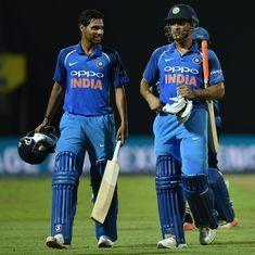 Australia vs India: MS Dhoni can bat pretty well anywhere in the order, says Bhuvneshwar Kumar