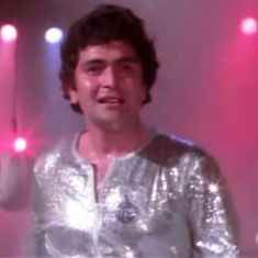 Picture the song: Rishi Kapoor's heavenly footwork in 'Om Shanti Om'