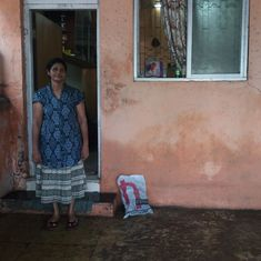 Wednesday woes: Many Mumbai working-class residents drain out their homes, salvage belongings