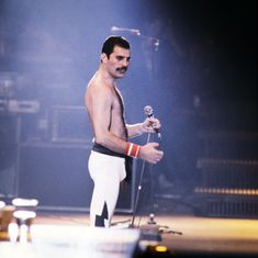 What made Freddie Mercury's voice so magical? His teeth