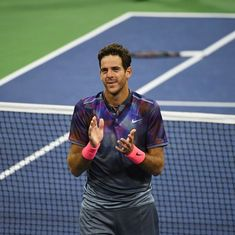 Shanghai Masters: Del Potro to play semi-final against Federer despite hurting wrist