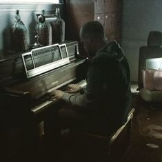 Watch: Man finds solace in playing piano in his flooded home in Texas during Hurricane Harvey