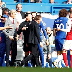 Premier League: Chelsea's David Luiz sent off in Arsenal stalemate