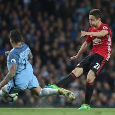 Manchester United's Herrera says City are 'obligated' to win titles after summer spending spree