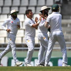 Yasir Shah's twin strikes leave Sri Lanka fighting to avoid defeat in first Test against Pakistan