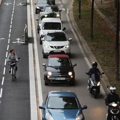 Paris plans to phase out all petrol, diesel cars by 2030