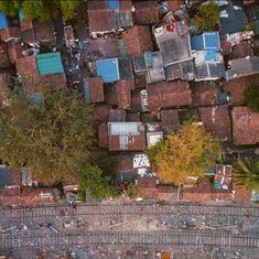 This video by a Cuban filmmaker turns Kolkata into a dizzying roller coaster ride