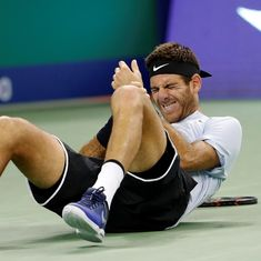 Juan Martin Del Potro through to Shanghai Masters semi-finals despite nasty tumble