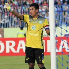 Indonesia goalkeeper Choirul Huda dies after collision with teammate