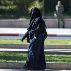 Canada: Quebec makes wearing the face veil illegal when using public services