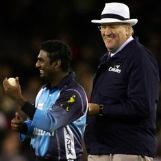 Former umpire Darrell Hair admits to stealing cash from liquor shop in Australia