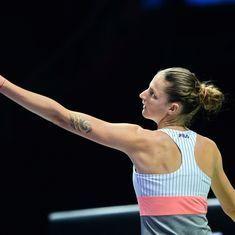 Karolina Pliskova hammers Garbine Muguruza to become first semifinalist at WTA Finals