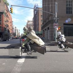 Watch Luke Skywalker and Princess Leia from 'Star Wars' cruising on their levitating bikes