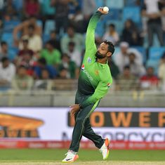 ECB suspends Hafeez from bowling in domestic English competitions after independent assessment