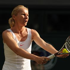 Former Wimbledon champion Jana Novotna dies of cancer at 49