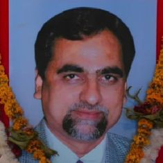 The big news: 114 MPs ask president for inquiry into judge Loya's death, and nine other top stories