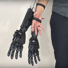 Watch: How to add a pair of robotic hands to a human one (and get a step closer to being Iron Man)