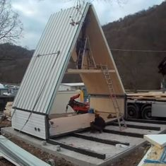 Watch: This do-it-yourself house that can be unfolded and assembled in six hours