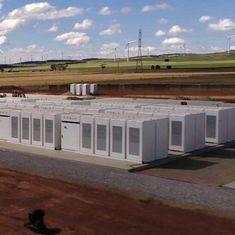 टेस्ला द्वारा दुनिया की सबसे बड़ी बैटरी चालू किए जाने सहित तकनीक से जुड़ी हफ्ते की तीन खबरें