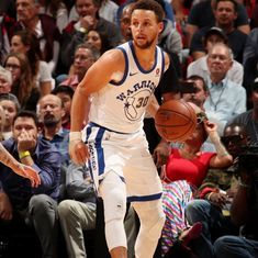 NBA: Golden State Warriors dominate third quarter to thump Heat, Timberwolves down Clippers