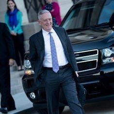 अमेरिका : इस्तीफ़े से गुस्साए डोनाल्ड ट्रंप ने रक्षा मंत्री की दो महीने पहले ही छुट्टी की