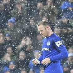 Rooney penalty helps Everton draw Liverpool in Merseyside derby