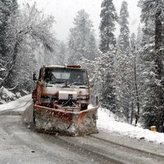 Jammu-Srinagar Highway closed due to heavy rain, snowfall, flight operations suspended
