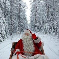 Watch a 360 degrees video of Christmas preparations at Santa Claus' home in Finland
