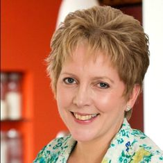 BBC apologises to former China editor Carrie Gracie who quit in protest against unequal pay
