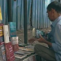 Watch: This pavement bookseller of Mumbai could teach all salespeople a thing or two