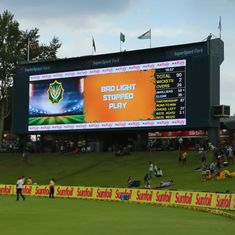 Second Test, day three, as it happened: Play called off due to bad light after ABD fifty