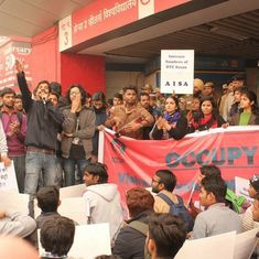 Delhi University students protest at Vishwavidyalaya metro station against fare hike