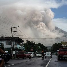 Philippines: Over 61,000 people flee homes as Mount Mayon's lava fountains intensify