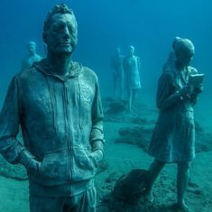 Video: British sculptor starts a unique museum which is situated 14 meters under the Atlantic Ocean