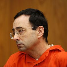 Video: Nassar sentencing hearing halted as father of victims lunges at disgraced doctor