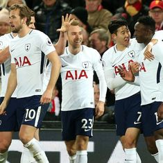 Kane's penalty in drama-filled stoppage time helps Tottenham snatch point against Liverpool