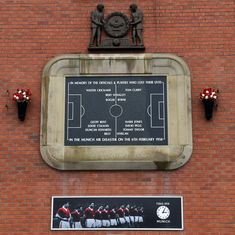 'Always in our memory': Manchester United players, fans remember Busby Babes 60 years on