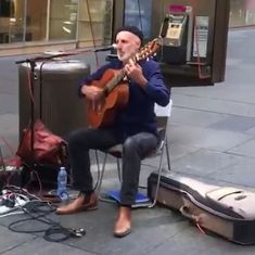 Watch: This Australian street artist sings a beautiful rendition of the popular song 'Jugni'