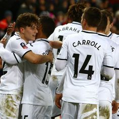 FA Cup round-up: Swansea crush Notts County, Huddersfield set up Manchester United clash