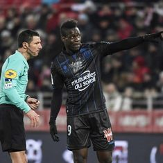 Mario Balotelli booked for showing annoyance at racial abuse during Ligue 1 match: Report