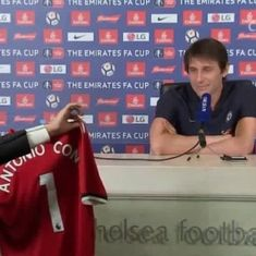 Watch: Prankster gatecrashes presser, hands Conte Manchester United shirt signed by Mourinho
