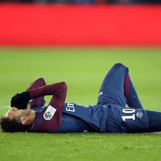 Neymar stretchered off with ankle injury in PSG's easy Ligue 1 win over Marseille