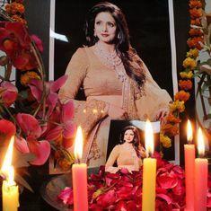 राजकीय सम्मान के साथ श्रीदेवी का अंतिम संस्कार महाराष्ट्र सरकार के आदेश से किया गया था