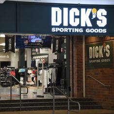 US retailers Walmart and Dick's Sporting Goods to stop selling guns to customers under 21