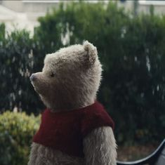 Trailer talk: Winnie-the-Pooh reunites with his old friend in 'Christopher Robin'