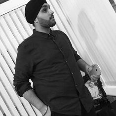 United Kingdom: Sikh student 'dragged' out of a bar for refusing to remove his turban